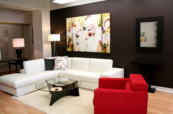 Red-and-White-Living-Room-Wall-Decor