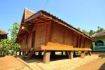 rumah adat hasan maulani