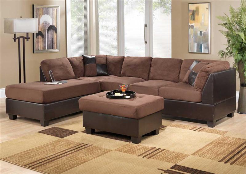 Desain-Interior-Ruang-Tamu-Dengan-Soga-Coklat-Hitam-Bentuk-L-dan-Karpet-Ruang-Tamu-Minimalis-Model-Terbaru (Medium)