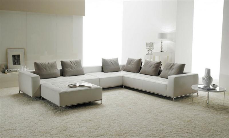 desain ruang keluarga warna putih (Medium)