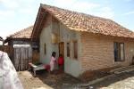 rumah sederhana desa tradisional indonesia bata (Medium)