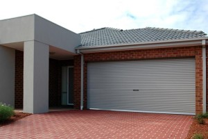 garasi mobil dengan rollingdoor