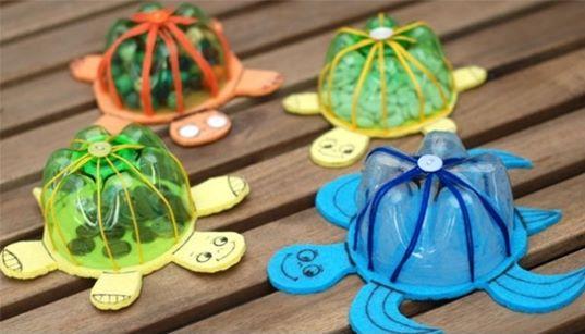 kura-kura dari botol plastik - IDEPROPERTI.COM
