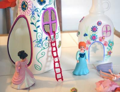 rumah barbie dari botol plastik bekas - IDEPROPERTI.COM